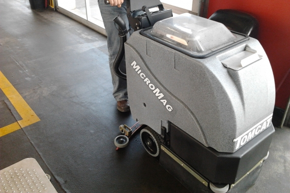 b_micromag-floor-scrubber-030_570x380_acf_cropped